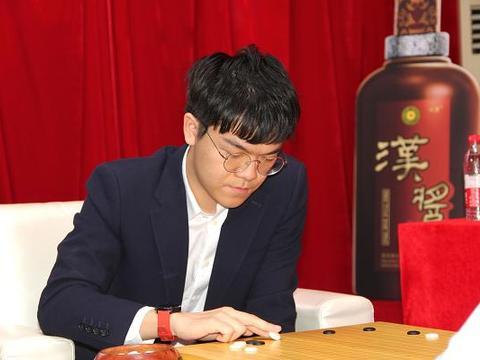 新春围棋争霸赛柯洁告负,朴廷桓蝉联贺岁杯三连贯