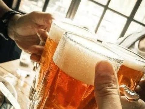 男子喝酒溺亡朋友未灌酒仍被判赔20万
