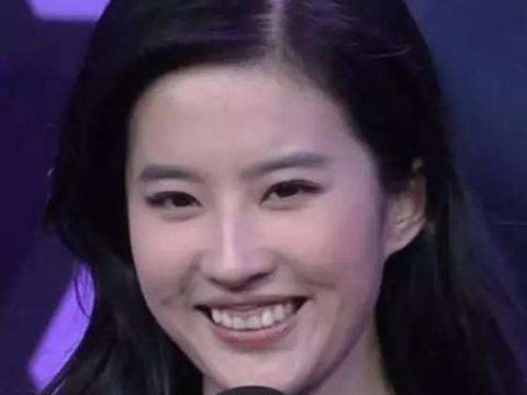 女星颜值也有bug:刘亦菲牙龈、杨幂热巴额头、赵丽颖的后背