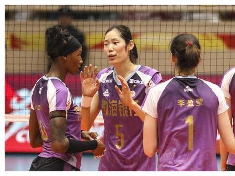 中国女排揪心一幕!新人不冒尖,老将很松懈,征战奥运仍是老面孔