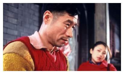 """他本是无名之辈,妻子""""偷""""户口为爱结婚,刘佩琦终是大器晚成"""
