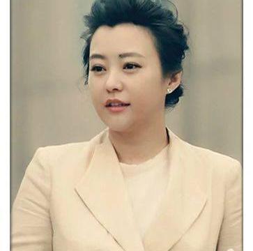 与邓超分手后,她先嫁李光洁,二婚又嫁给刘烨,如今41岁却又单身