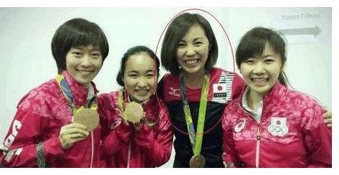 中国夫妻入日本籍,丈夫横扫马龙,妻子是福原爱私人教练