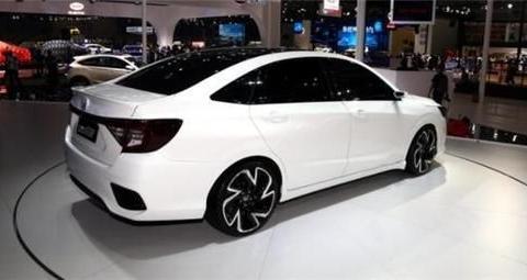 本田出新款,比思域长得俊,车轮更养眼,长4.8米仅8万?