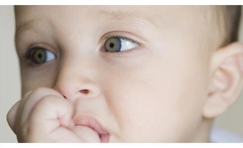 安抚奶嘴好处多?这些会影响宝宝健康,家长们要注意