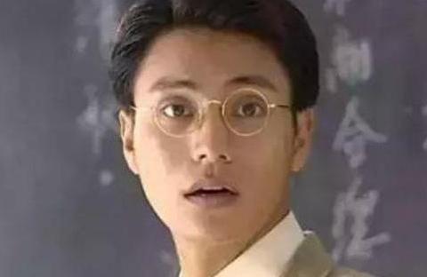 他一手捧红陈坤董洁,是蒋勤勤的前男友,年仅47岁因癌症离世