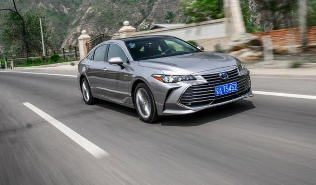 23.9万买了丰田亚洲龙,再换到开奥迪A4L上,车主:差距很明显