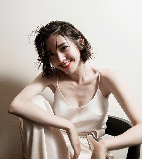 30岁唐艺昕美炸了,换了发型像是换了张脸,怪不得张若昀独爱她