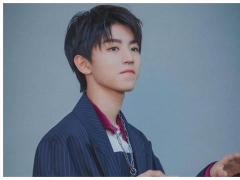 王俊凯,年少成名的他超乎同龄人的成熟,骨子里的温柔