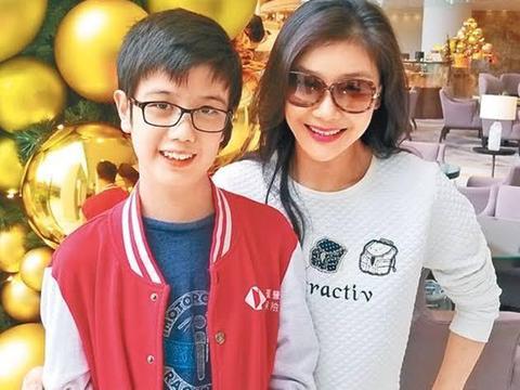 TVB女艺人宣布全面复出拍戏 希望儿子能体谅自己