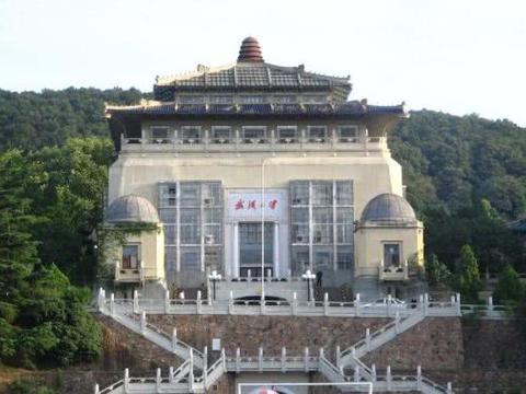 """武汉这10所""""一本大学""""值得报考,全国排名较高,就业率都很不错"""