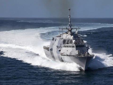 """美国一新锐战舰耀武扬威,委内瑞拉怒了,出动苏-30令其""""逃离"""""""