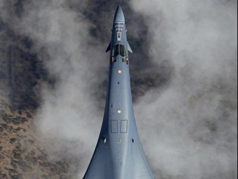 俄罗斯图-160和美国的B-1B怎么那么像,到底谁抄谁?