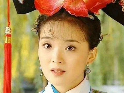 王艳14岁儿子罕见露面,身高已超167cm老妈,母子差31岁却似姐弟