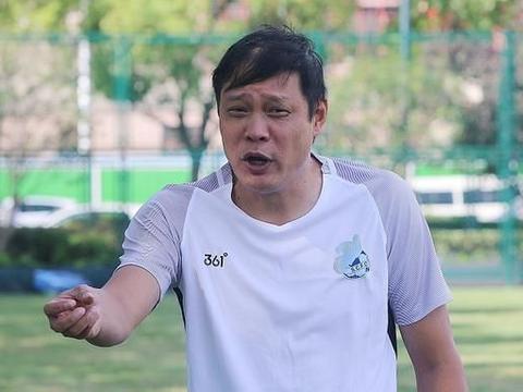 他曾是徐根宝最看好的接班人,却一心想当国足主帅