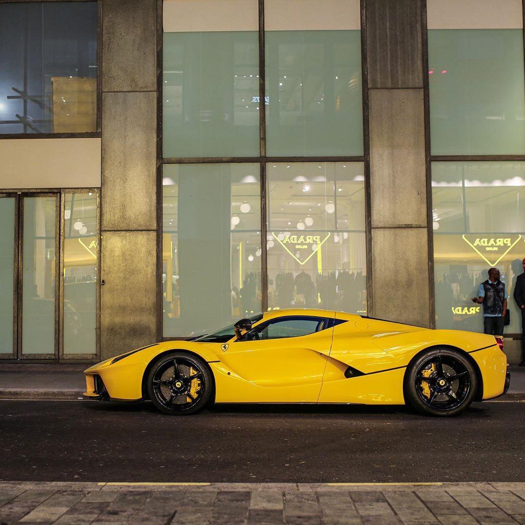 法拉利LaFerrari实车街拍 大气运动的设计
