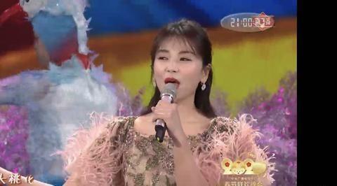 都是《跨界歌王》出来的歌手,刘涛被张也碾压
