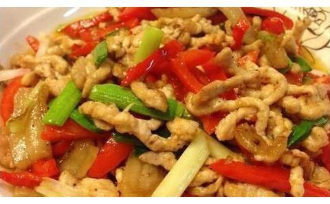 美食推荐:虾仁干煸菜花,大黄瓜丸子汤,红椒肉丝的做法