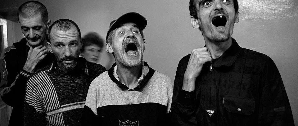 精神病人的世界是什么样子 乌克兰摄影师带你去看看