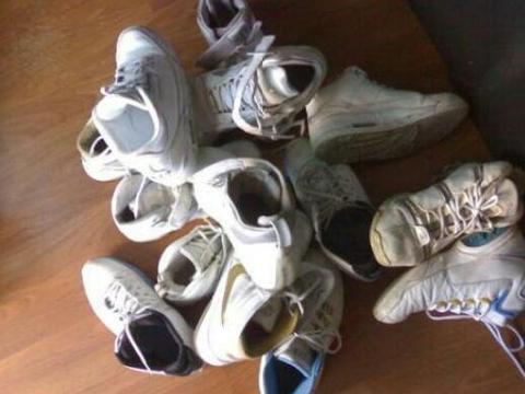 纽约臭鞋比赛,12岁男孩鞋子臭哭裁判夺冠,获得2500美元奖金