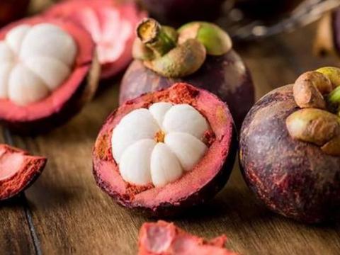 孕妈最好少吃这4种常见水果,不然可能会影响胎儿的发育