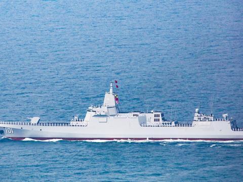 与055同级驱逐舰,将具备1小时打遍全球能力,为何暴露了美军问题