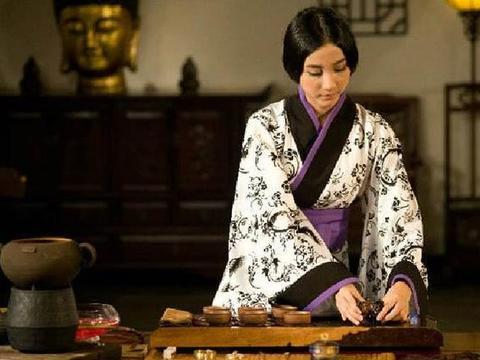 汉代一古墓中发现一古董茶叶,曾为皇帝专用茶,留存长达两千年