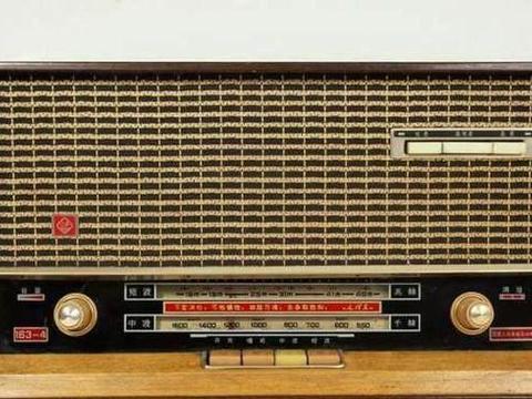 一组上世纪七八十年代收音机老照片
