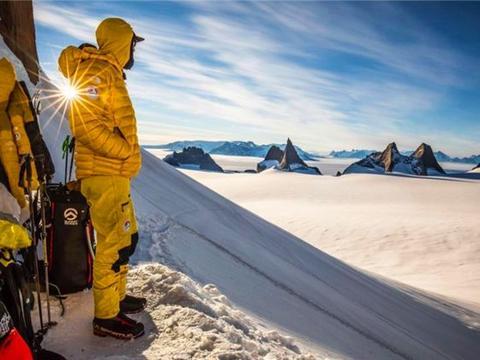1985年南极哥斯拉事件:日本船员目击神秘怪物,科学家:集体幻觉