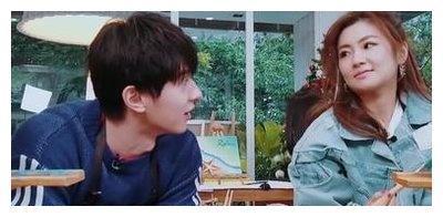 任家萱和张轩睿把恋爱谈到了戏外,却被质疑在做秀,不被看好