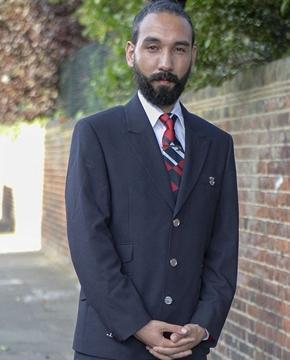 扎髻似女仔被解雇,英国男子怒告英航性别歧视