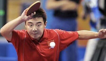 技术贴!球友打乒乓球拉球经常出界是瞬间摩擦的问题吗