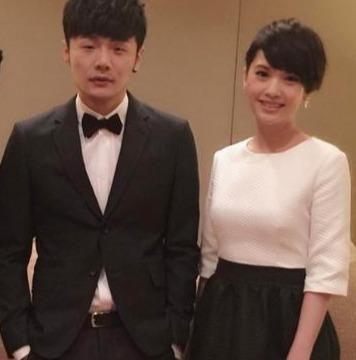 杨丞琳晒甜美自拍,初次在李荣浩家过年,称被照顾得很好