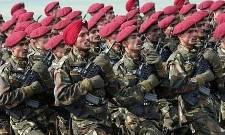 打得毫无还手之力?印度50万大军强势出击,巴铁9万大军四处逃散