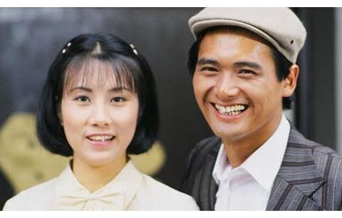 汪明荃与周润发40年前后合影相比照,网友感叹时光飞逝
