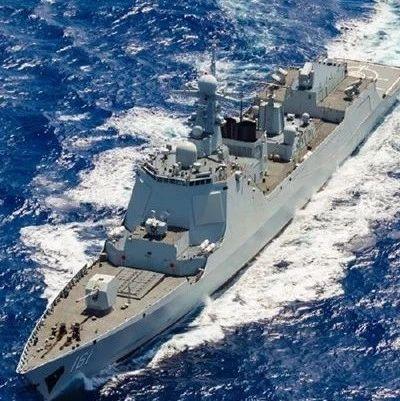 远海联合训练编队的海军水兵们 在大洋上如何过年?