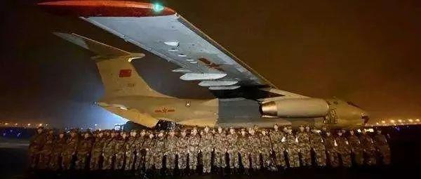 大国策·特稿 壮胆、压邪、救人:子弟兵除夕夜紧急驰援武汉!