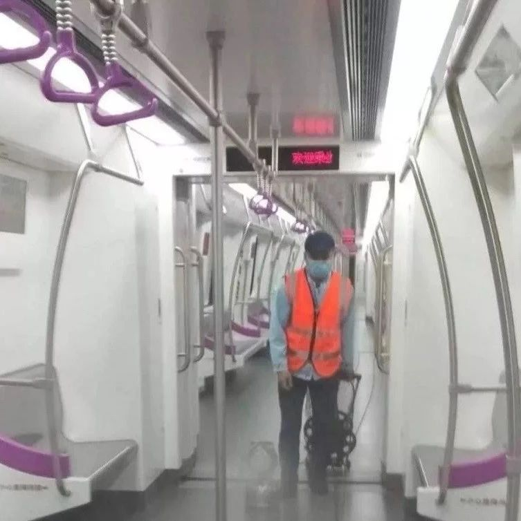 南宁地铁即日起逐步在各地铁车站安检点配置体温仪
