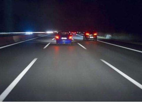 不敢夜跑高速怎么办!老司机:注意这4点没错
