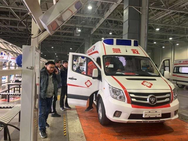 北汽福田赶制25辆负压救护车,支援疫情防控保障工作