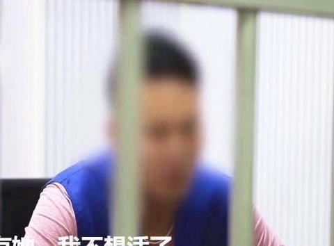 小伙偷窃上万元给女友买化妆品,被抓捕后称:我都是为了爱情
