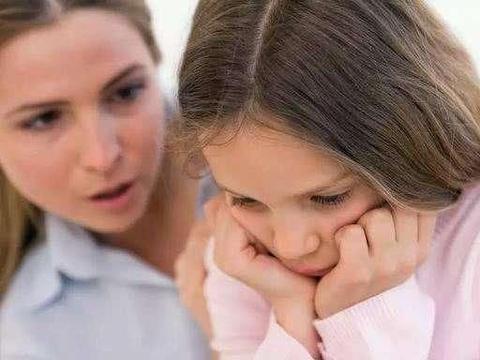 """妈妈说老师""""坏话"""",却错发到家长群,老师看到后:建议退学"""