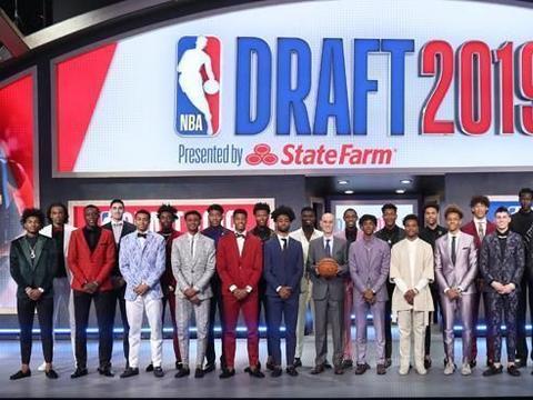 NBA19届热门新秀半程观察:锡安展状元风采,榜眼郎领跑最佳新秀