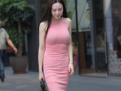 女人就应该穿上心爱的裙子,妥妥显高显瘦显气质