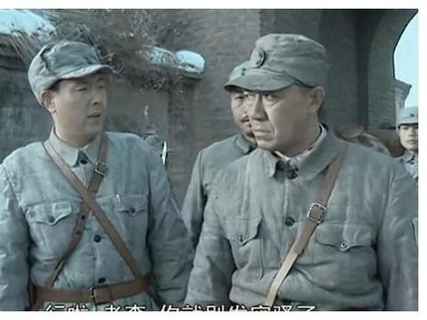 《亮剑》抗战胜利后,孔捷和丁伟都去了东北,为何李云龙去不了?