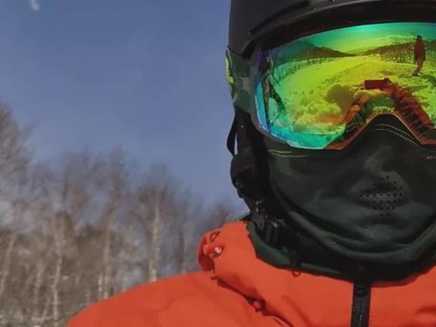 与王菲日本度假?谢霆锋徐濠萦晒北海道滑雪照,镜中人亮了