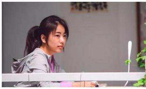 """10年前让""""清华""""破例降60分录取的女生蒋方舟,现在过得如何?"""