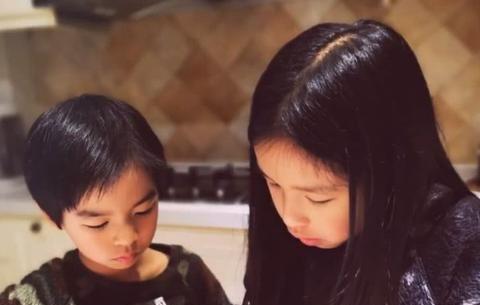 姐姐出嫁,弟弟偷偷抹眼泪:给儿子最好的礼物,是送他一个姐姐
