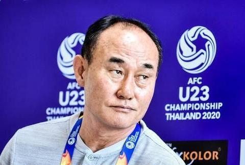 带韩国拿下U23冠军金鹤范,为何当年在建业只带8轮就下课?