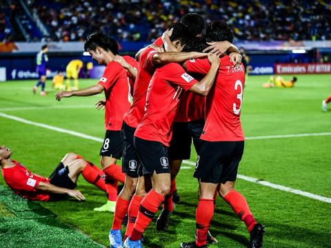 带韩国拿下U23冠军金鹤范 为何当年在建业只带8轮就下课?